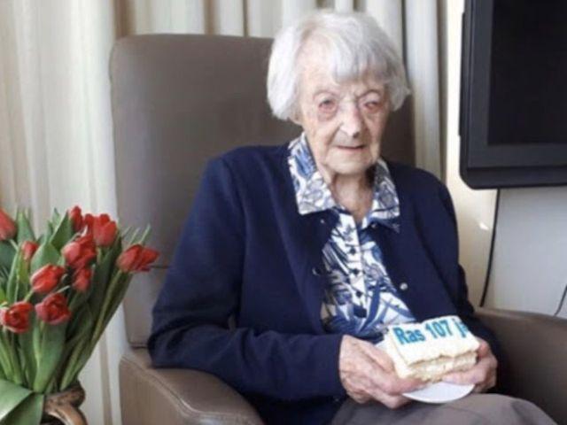Tante Cor overleeft Corona op 107-jarige leeftijd.
